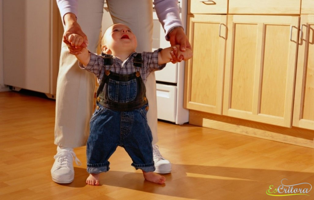 В чем ребенку учится ходить