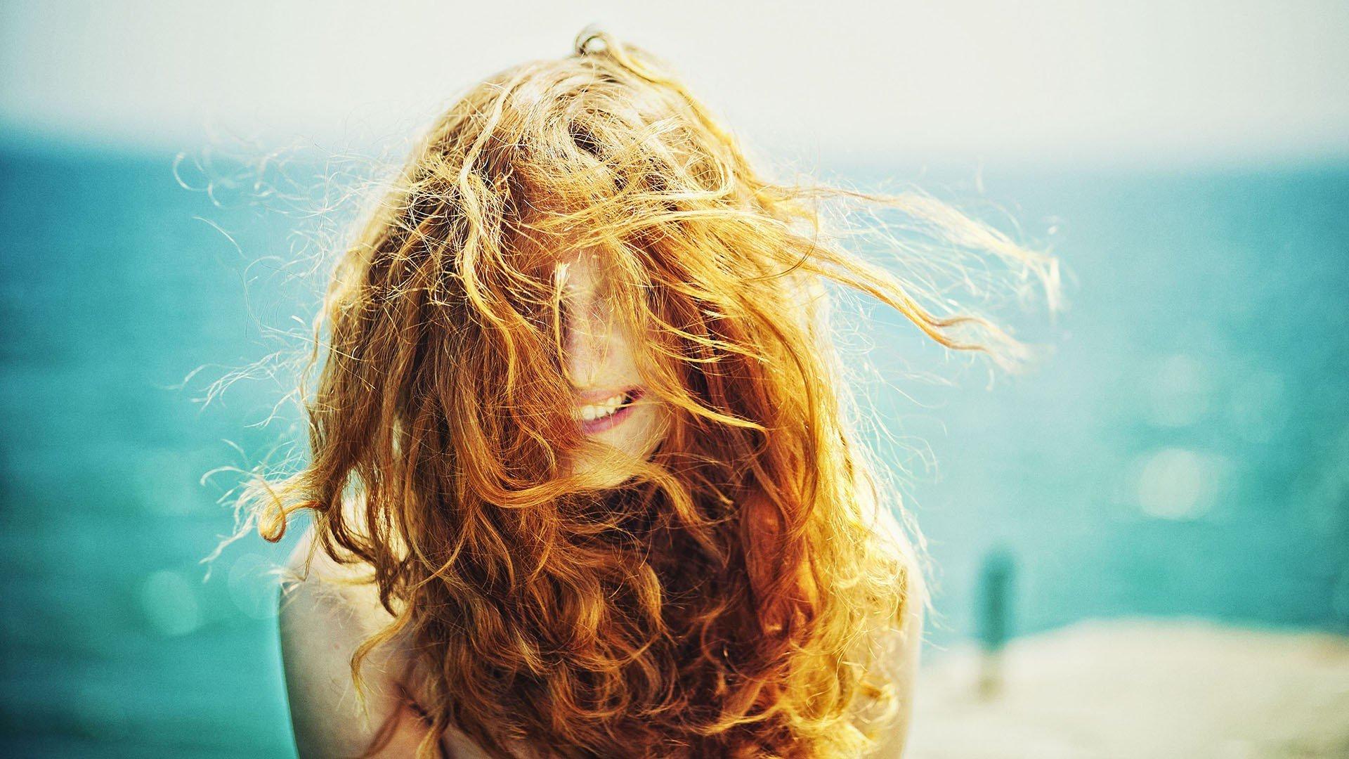 Что взять на море для волос
