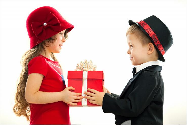 Подарок другу для детей